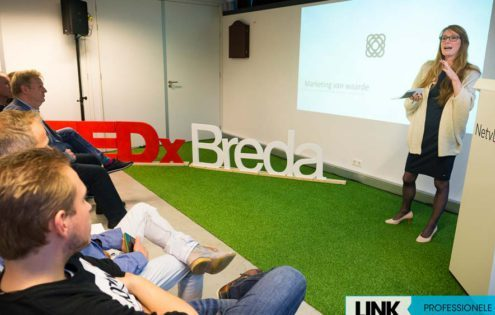 Foto-presentatie-TedXBreda--560x315